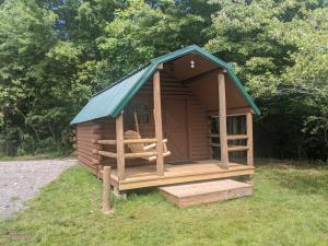 Camping Cabin 8 - Orchard Lake Campground